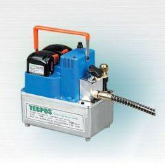 Bom thuy luc Tecpos TDPM series chay bang ac quy 700 bar